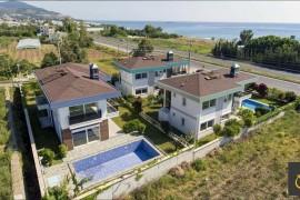 Alanya Yeşilöz Mah. Satılık Akıllı Havuzlu Villa