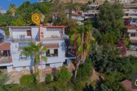 Alanya Kargıcak'da 4+1 Satılık Tripleks Havuzlu Villa